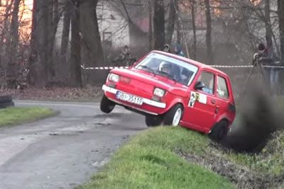 Crazy Rally Driver Goes Flat Out On Every Corner With His Old Fiat 126
