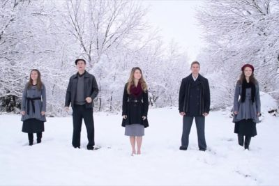 5 Siblings Gather Together. Beautiful Rendition Of Christmas Classic Goes Viral