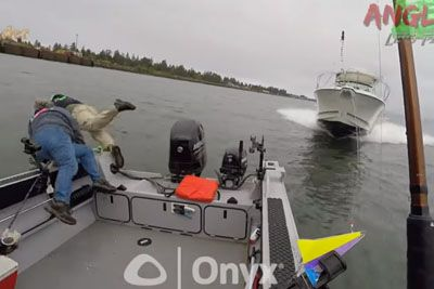 Shocking Footage Shows Boat Crash On Columbia River