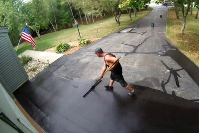 Guy Hires A Contractor To Sealcoat His Driveway, Video Is Pure Satisfaction