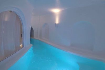 Villa On Santorini, Greece Has The World's Most Perfect Plunge Pool