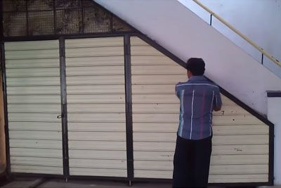 Indian Man Inspires The World With Parking, This Is How His Garage Looks Like