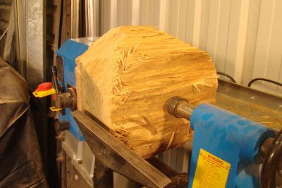 Woodworker Turns A $0.10 Log Into A $72,500 Worth Bowl In 60 Minutes