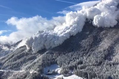 Huge Avalanche Captured In Switzerland, Footage Will Take Your Breath Away
