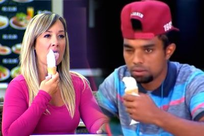 This Is How Men React When A Flirty Ice-Cream Licking Woman Turns Out To Be Blind