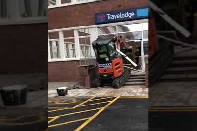 Unpaid Contractor Exacts His Revenge, Destroys Travelodge Reception With Digger