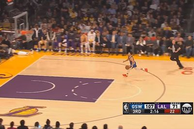 Stephen Curry Embarrasses Himself After Slipping On Dunk Against Lakers