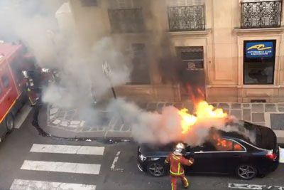 Car Burns In Flames In Middle Of Paris, Firefighters Totally Destroy It