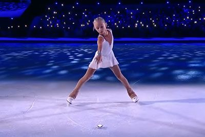 10-Year-Old Ice Skater Steals The Spotlight Dancing To Hallelujah