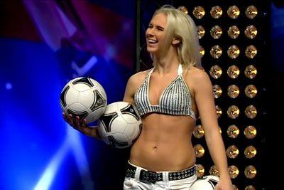 Female Footballer Does Amazing Tricks on Turkey's Got Talent