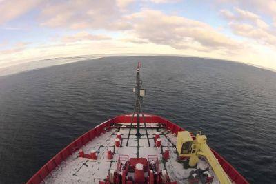 Stunning Time-Lapse Video Of Icebreaker In Antarctica