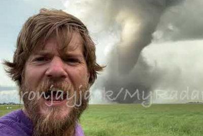 Man Captures Strong Tornado Touch Down Near Scarth, Manitoba, Canada