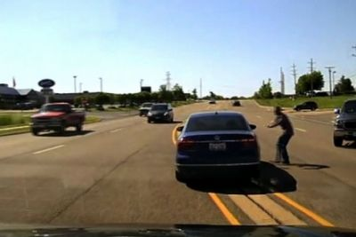 Man Jumps Into Moving Car, Saves Driver During A Seizure
