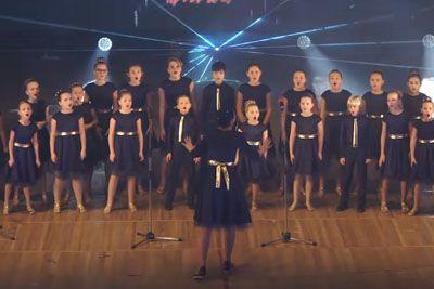 Children's Choir Performs