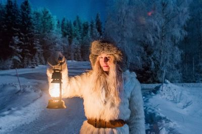 Blonde Woman Shows How Living With The Dark Winters In Sweden Looks Like